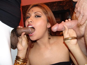 Gorgeous Indian model Ranie does a strip - XXX Dessert - Picture 8