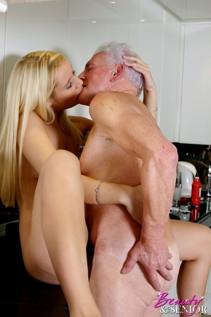 Old men young ladies. Blonde beauty ador - Picture 12