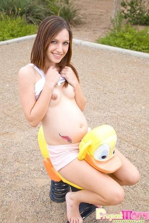 Xxx pics of nasty pregnant cutie flashin - XXX Dessert - Picture 14