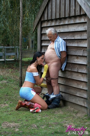 Old men young ladies. A working teenager - XXX Dessert - Picture 6