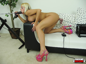Huge boobs blonde girl gets her mouth an - XXX Dessert - Picture 8