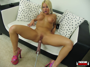 Fantastic tits blonde babe slips out her - XXX Dessert - Picture 6