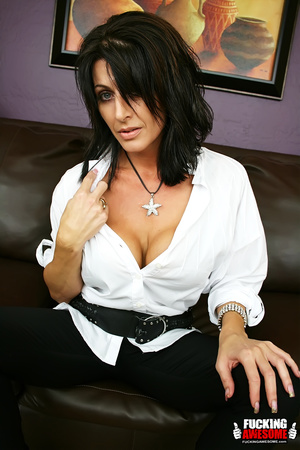 Busty dark haired bimbo undressing and e - XXX Dessert - Picture 1
