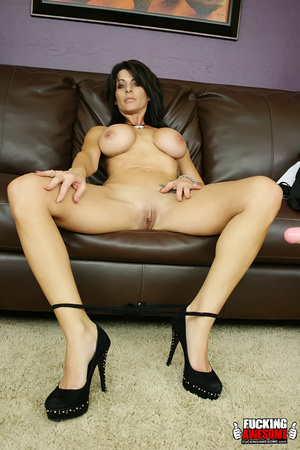 Busty dark haired bimbo undressing and e - XXX Dessert - Picture 7