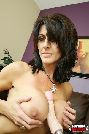 Busty dark haired bimbo undressing and e - XXX Dessert - Picture 9
