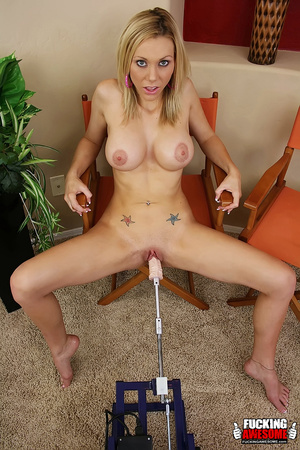 Perfect body naked blonde nymph received - Picture 9