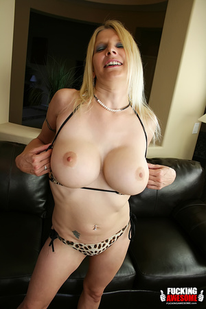 Sex hungry mature blonde undressing and  - XXX Dessert - Picture 4