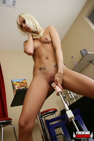 Perfect body blonde beauty willingly suc - XXX Dessert - Picture 12