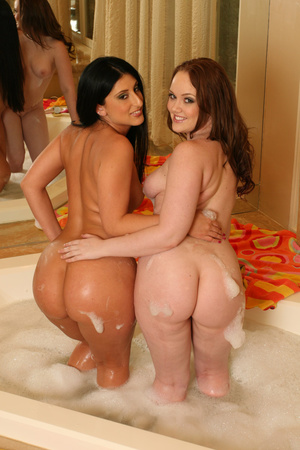 A pair of perfect body naked nymphs look - XXX Dessert - Picture 9