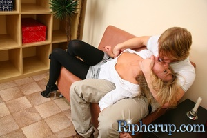 Dude fucks a hot chick when she tries to - XXX Dessert - Picture 3
