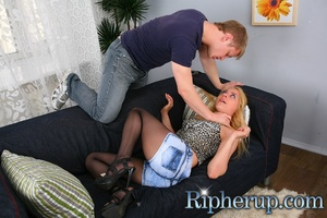 Repairman gets horny watching hot blonde - XXX Dessert - Picture 4