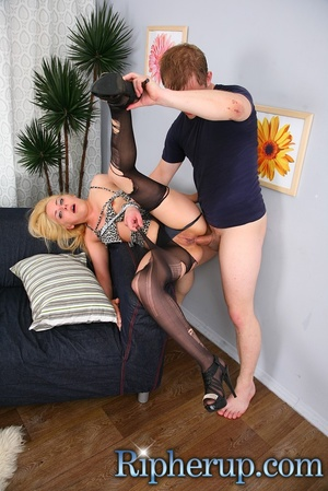 Dirty dude stretches anal of hot blonde  - XXX Dessert - Picture 12