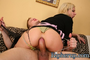 Sexy blonde chick resists to swallow spe - XXX Dessert - Picture 16
