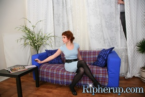Burglar forces the mistress of a flat to - XXX Dessert - Picture 2