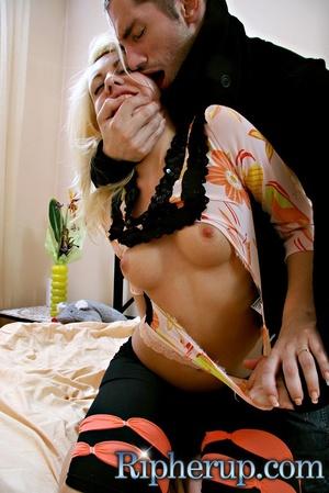 Blonde slut gets her asshole stretched w - XXX Dessert - Picture 5
