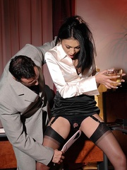 Made her drink men pissing and pee herself - Unique Bondage - Pic 9