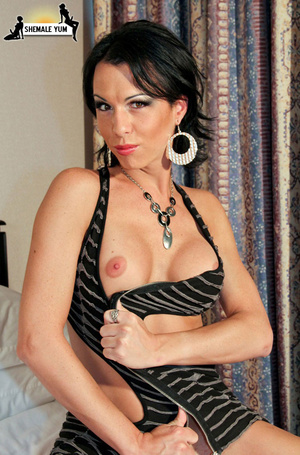 Dickgirl. Big dicked tranny babe! - XXX Dessert - Picture 8