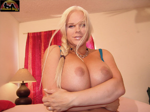 Transsexual. Shemale Yum. - XXX Dessert - Picture 6