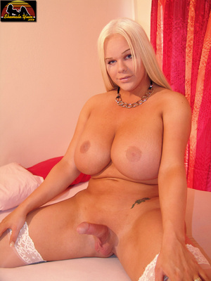 Transsexual. Shemale Yum. - XXX Dessert - Picture 9