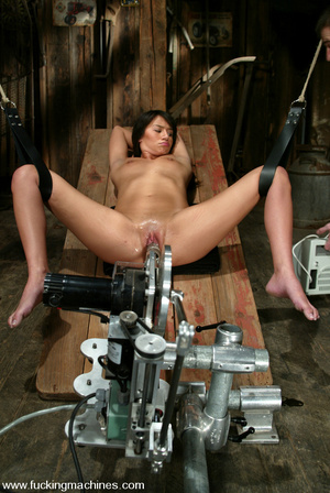 Fucking machine pics. Bobbi Blair gets o - XXX Dessert - Picture 10
