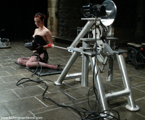 Fucking machines sex. Kinky and flexible - XXX Dessert - Picture 2