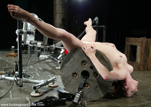 Fucking machines sex. Kinky and flexible - XXX Dessert - Picture 6