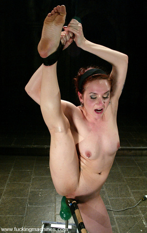 Fucking machines sex. Kinky and flexible - XXX Dessert - Picture 12