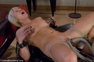Women fucking machines. Hot blonde bound - XXX Dessert - Picture 10