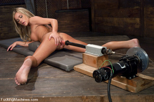 Women fucking machines. Blue eyed, Blond - XXX Dessert - Picture 2