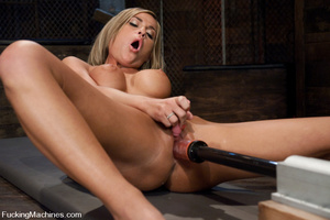 Women fucking machines. Blue eyed, Blond - XXX Dessert - Picture 6