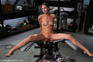 Sexmachine. Amateur machine fucked, drip - XXX Dessert - Picture 1
