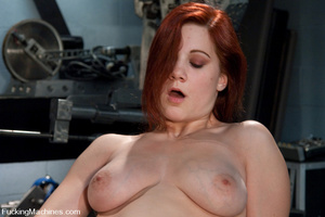 Fucking machine. Amateur red head babe w - Picture 12
