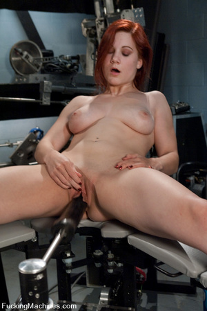 Fucking machine. Amateur red head babe w - Picture 15