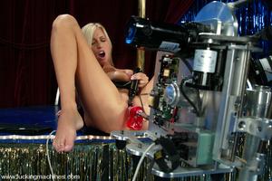 Sex machine xxx. Super sexy blonde gets  - XXX Dessert - Picture 1