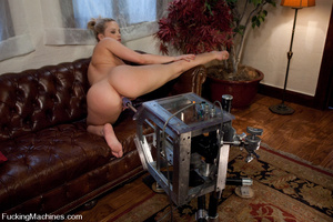 Mechanical sex machine. AVN award winner - XXX Dessert - Picture 7