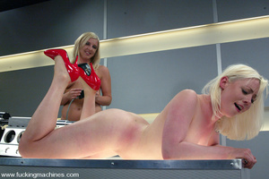 Sex machines. The Great Fuck off: Blonde - XXX Dessert - Picture 8