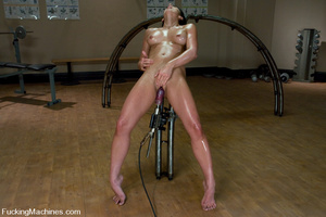 Fucking machines xxx. Gym babe sweaty oi - XXX Dessert - Picture 2