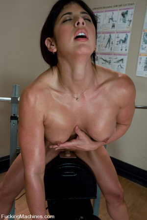 Fucking machines xxx. Gym babe sweaty oi - XXX Dessert - Picture 7