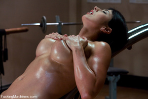 Fucking machines xxx. Gym babe sweaty oi - XXX Dessert - Picture 15