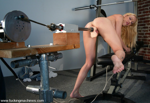 Fucking machines. Samantha Sterlyng is b - XXX Dessert - Picture 4