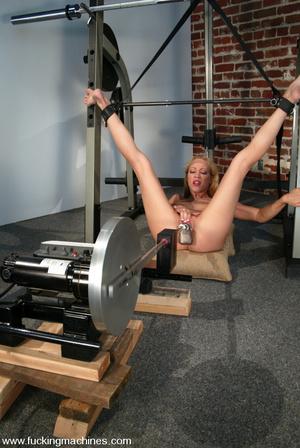 Fucking machines. Samantha Sterlyng is b - XXX Dessert - Picture 6