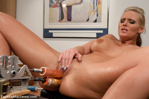 Women fucking machines. Phoenix Marie ma - XXX Dessert - Picture 10