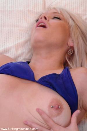 Sex machines porn. 18 year old big titti - XXX Dessert - Picture 6