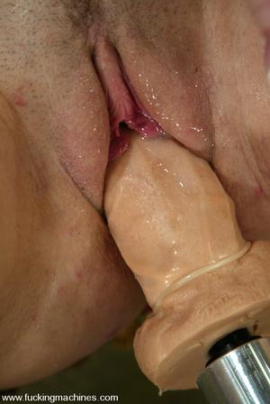 Sex machine orgasms. Hot newcomer gets a - XXX Dessert - Picture 11