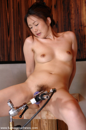 Machine sex. Four Japanes girls get thei - Picture 11