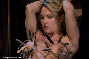 Women fucking machines. Harmony Rose, bo - XXX Dessert - Picture 7