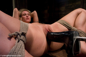 Women fucking machines. Harmony Rose, bo - XXX Dessert - Picture 10