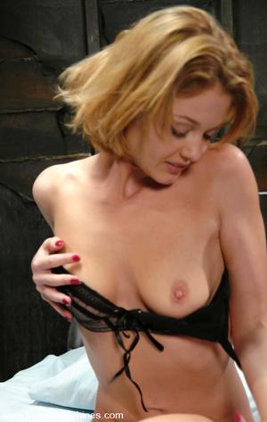 Sex machines porn. Sassy Texan girl gets - XXX Dessert - Picture 2