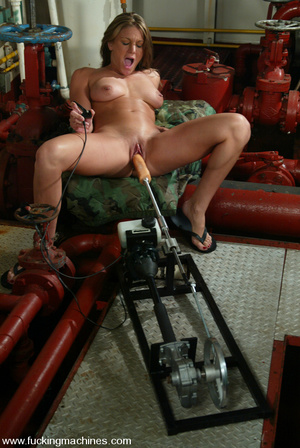 Machines sex. Natural blonde enjoys puss - XXX Dessert - Picture 9