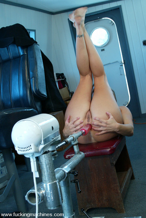 Machines sex. Natural blonde enjoys puss - XXX Dessert - Picture 13